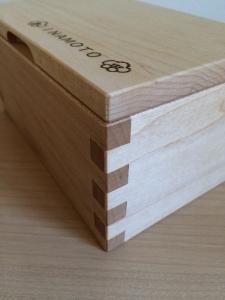 小箱(側面)