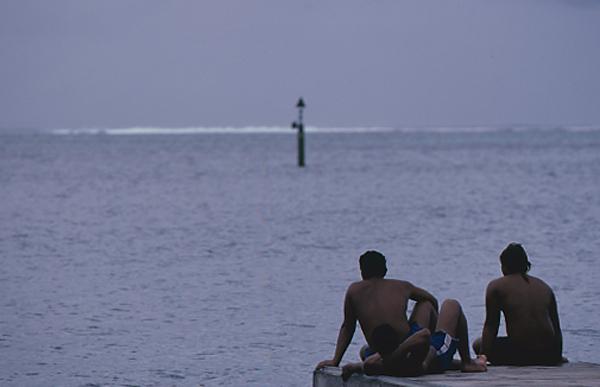 こうして日がな一日海を見つめてて飽きないのでしょうか