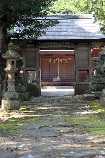 蜛蝫神社拝殿