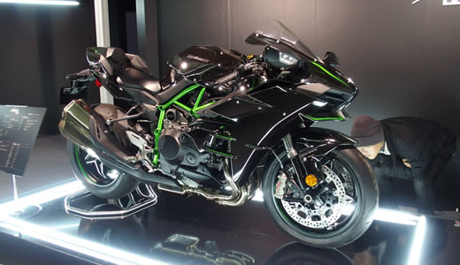 Kawasaki Ninja H2&H2R発表会@海洋博物館-4