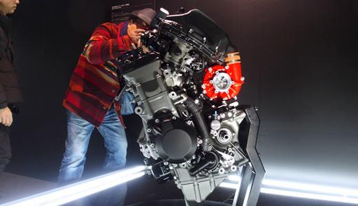 Kawasaki Ninja H2&H2R発表会@海洋博物館(3)-5