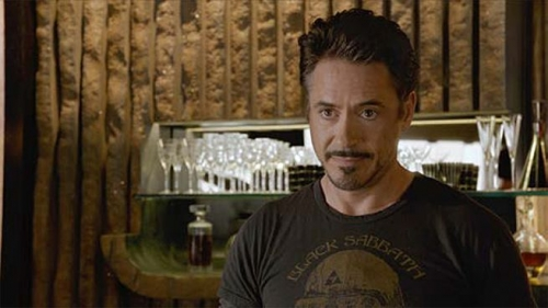 robert-downey-jr-avengers-101226.jpg