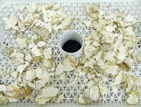 食品乾燥機で干し山芋