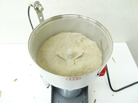 すっぽんを粉末にする機械