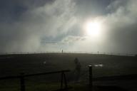 翌日は晴れ。但しガスが流れてくるのでなかなか晴れ間が見えない。