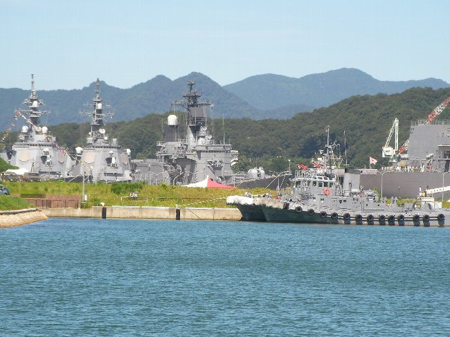 201507260957艦艇を望む②-1
