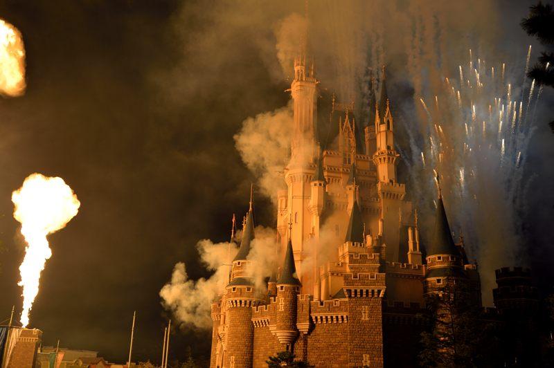 ディズニーランド しばらくぶりにアップしようとしたらシンデレラ城が炎上してた