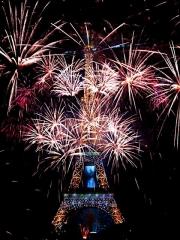 150715_フランス革命記念日のエッフェル塔_mjiji_mega_0019585302VGA