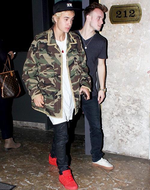 ジャスティン・ビーバー(Justin Bieber):サンローラン(Saint Laurent)ドープ(Dope)アディダス(Adidas)