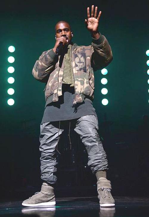 カニエ・ウェスト(Kanye West):ラフ・シモンズ(RAF SIMONS)メゾンマルタンマルジェラ(Maison Martin Margiela)