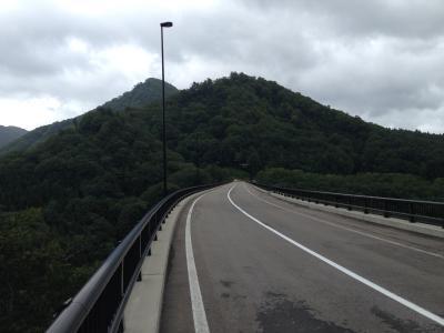 トンネル直後の橋