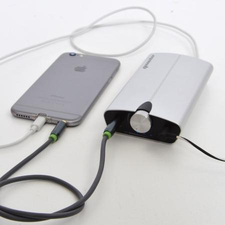「モバイルバッテリーなハイパワーアンプ WOODSTOCK NX」