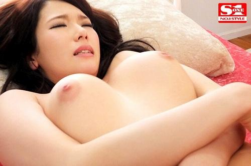 陽咲希美巨乳おっぱい画像a04