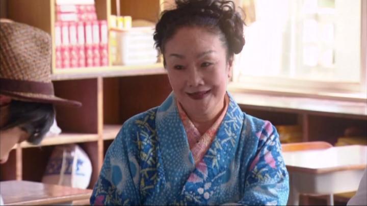 京子の婆ちゃん(白石加代子)