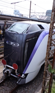 中央線新型特急車両E353系 前面