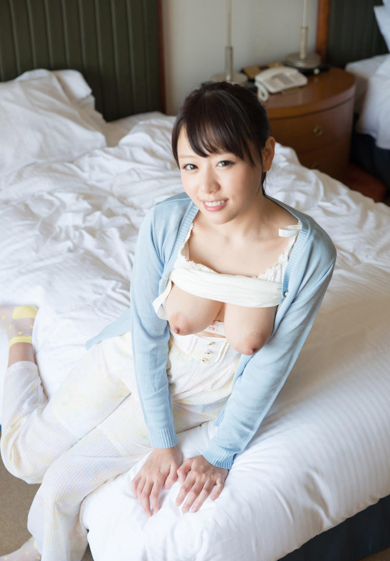 浜崎真緒(はまさきまお) ロリ顔ポニーテール、色白柔らかそうなおっぱいに包まれるセックスAV女優画像 143枚 No.43