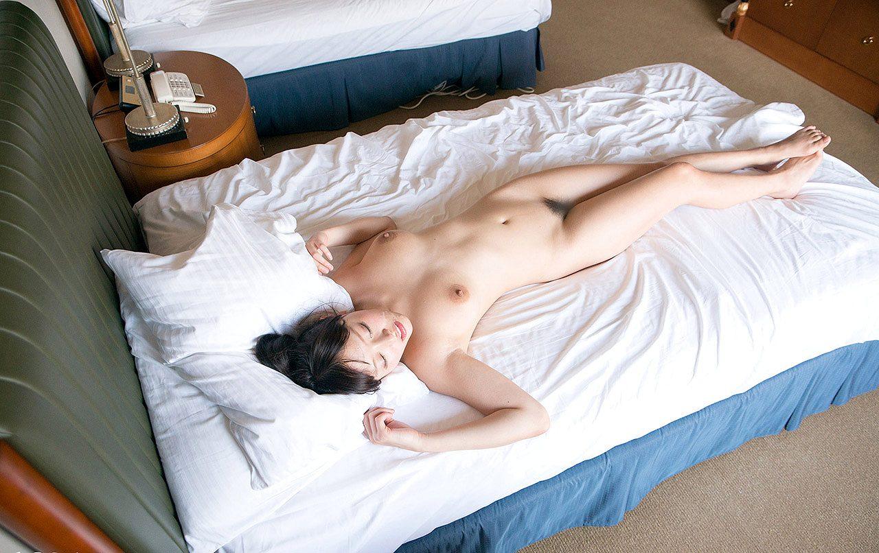 浜崎真緒(はまさきまお) ロリ顔ポニーテール、色白柔らかそうなおっぱいに包まれるセックスAV女優画像 143枚 No.82