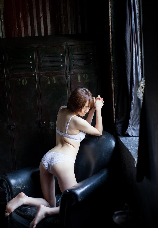 涼川絢音 Eカップ 手足の長い色白ロリ顔で美少女な着エロアイドルAV女優画像 107枚 No.74