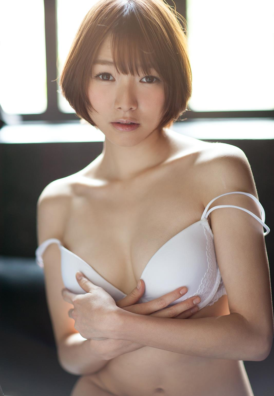 涼川絢音 Eカップ 手足の長い色白ロリ顔で美少女な着エロアイドルAV女優画像 107枚 No.82