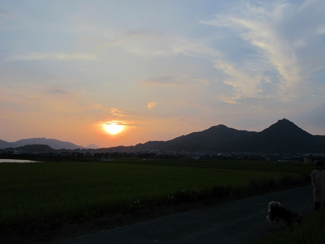 実家からの夕日 27.7.28
