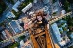 vitaly-raskalov-skywalking-bridge.jpg