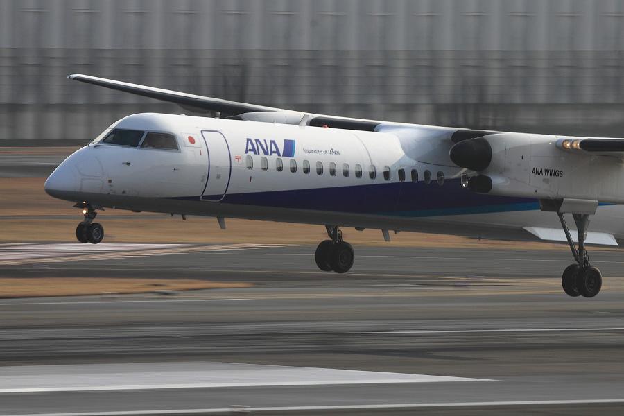ANA WINGS DHC-8-402Q / ANA1604 (JA843A)@スカイランドHARADA