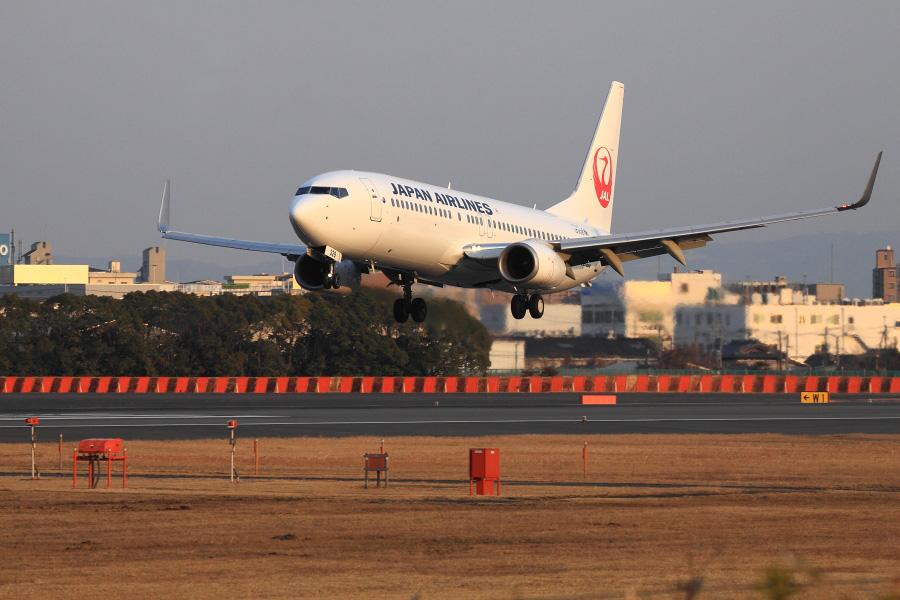 JAL B737-846 / JAL2006 (JA328J)@スカイランド原田