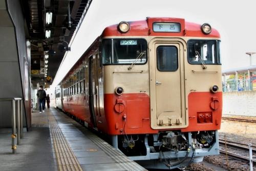 美濃太田駅 ツートン 1
