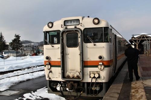 高山駅ホームからキハ48