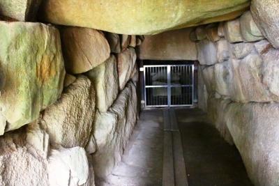刳り抜き式家形石棺