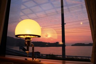 ななつ星大村湾に沈む夕日