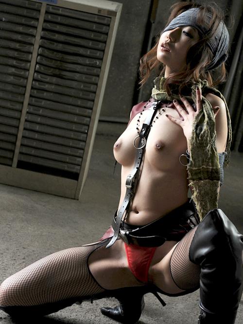 門田まつり ボンテージなコスプレのセックス画像