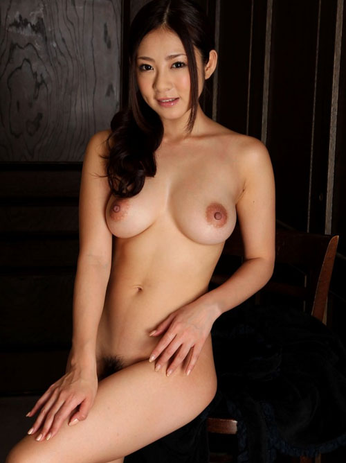 顔よし!おっぱいよし!の巨乳美少女の全裸画像27枚