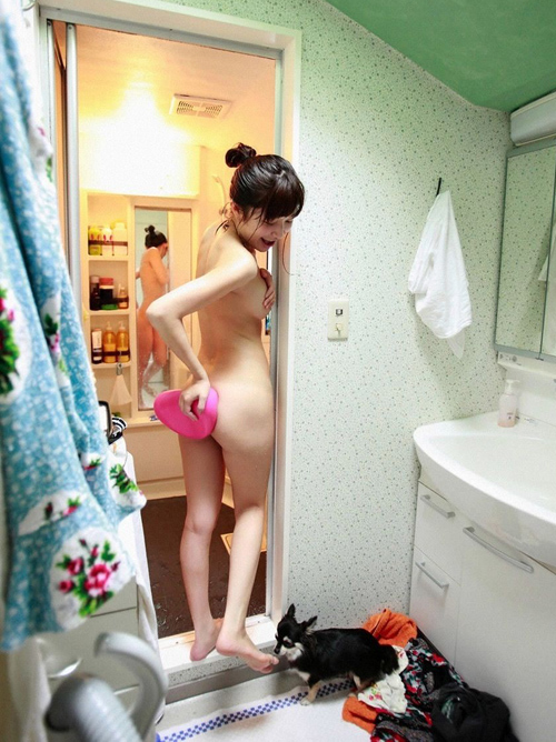 【画像】小野真弓(34)が風呂上がりヌードを披露www劣化知らずのスレンダーボインwww