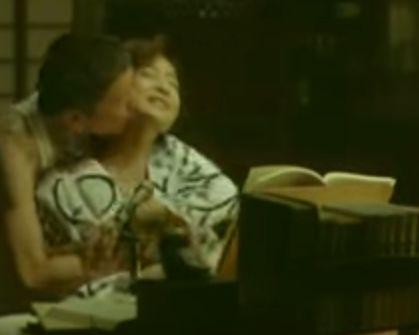 【中田喜子】背後からじっくり愛撫を受ける濡れ場