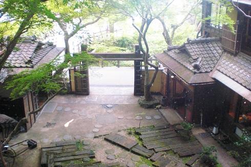 音羽山荘 廊下から見た景色