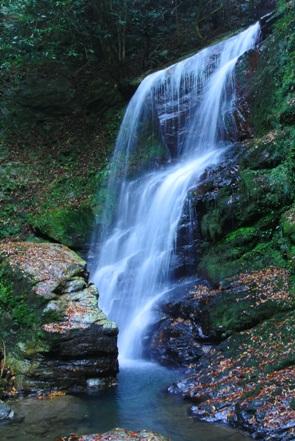 寂地峡2魚切りの滝