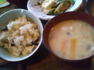 豆ごはんとお味噌汁