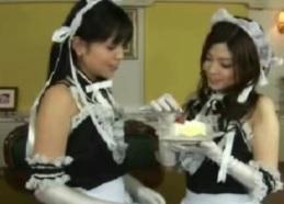 近親相姦動画チンポとマンコを持つメイド姉妹2FC2動画