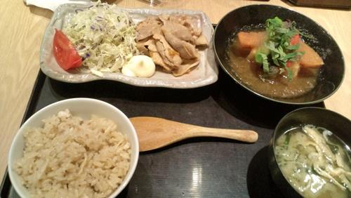 豚生姜焼き、豆富おろしあんかけ二種盛り定食