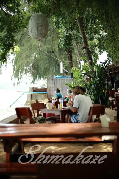 プーケットラワイビーチニキーターズレストラン