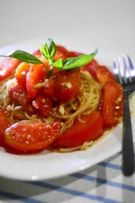 フレッシュトマトの冷製スパゲティ1