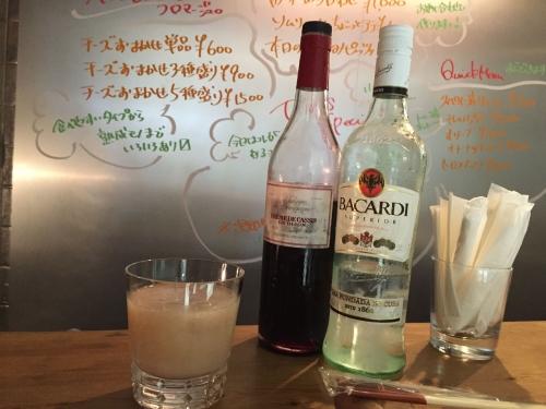 桃のカクテルにはこんなお酒が入ってます