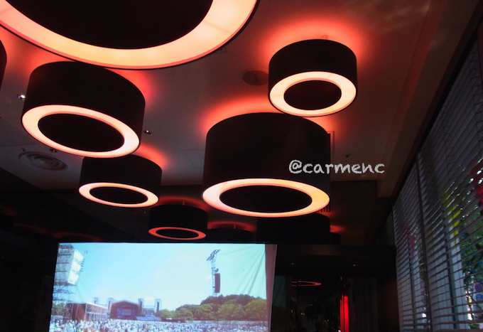 apbankの天井とスクリーン