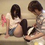 18歳の少女がカラオケ店で履いていたパンティを奪われる