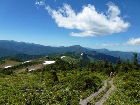 駒ヶ岳から見える燧岳