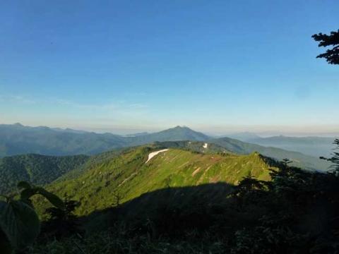 駒の小屋を出てすぐの燧ケ岳