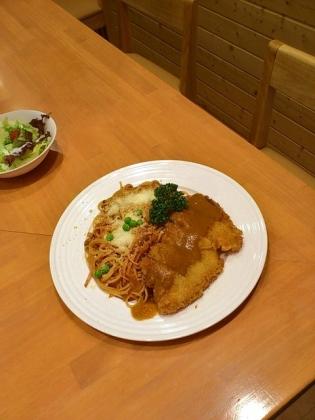 サクライ、ナポリタンデラックス本日のフライ(ポークカツ)3