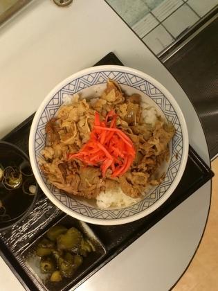品川駅京浜東北線ホーム(牛丼)2