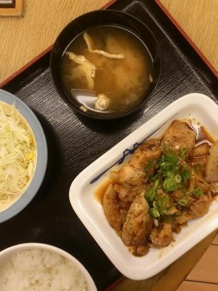 松屋、ガーリックチキン定食2